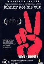 """Johnny Got His Gun - Johnny Silahını Kaptı  izlemek için tıklayın : http://www.filmbilir.com/johnny-got-his-gun-johnny-silahini-kapti-turkce-dublaj-ve-altyazili-720p-izle.html     Dalton Trumbo'nun 1. Dünya Savaşı'nda kollarını, bacaklarını, görme, işitme ve koku alma yetisini kaybederek et parçasına dönen bir askerin hikayesini anlattığı savaş karşıtı filmi """"Johnny Got His Gun"""", 1971 yılında Cannes Film Festivali'nde FIPRESCI Ödülü'nü ve Jüri Büyük Ödülü'nü ka"""