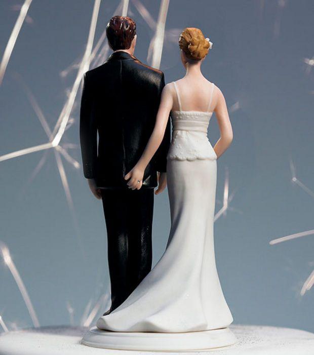 Une figurine parfaite pour un gâteau de mariage