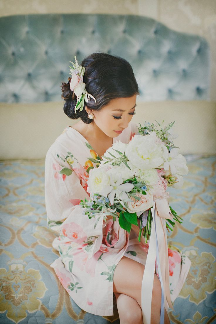 #bridesmaid #matchingrobes #plumprettysugar - Oh so lovely and delicate robe by @plumprettysugar
