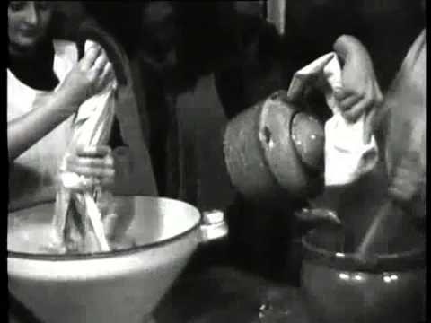De opleiding tot dienstbode aan de Tweede Openbare Huishoudschool te Amsterdam. SHOTS: - div. korte shots van huishoudelijke werkzaamheden (ramen lappen, sch...