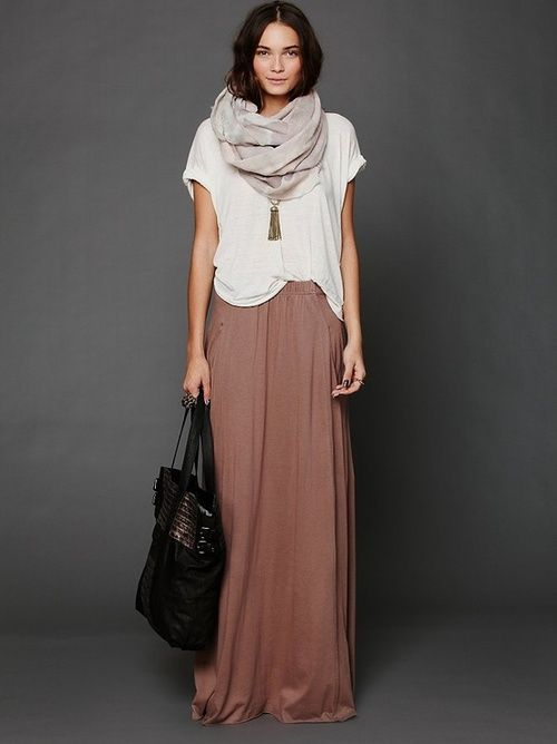 Love this maxi + slouchy tee + comfy scarf for fall #fallfashion #bluebellechic #bluebellelife