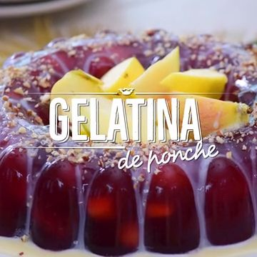 Es una de las gelatinas más sabrosas y espectaculares ¡El mejor regalo de Navidad! Chocolate Tree, Delicious Desserts, Cheesecake, Deserts, Sweets, Fruit, Cooking, Christmas, Recipes