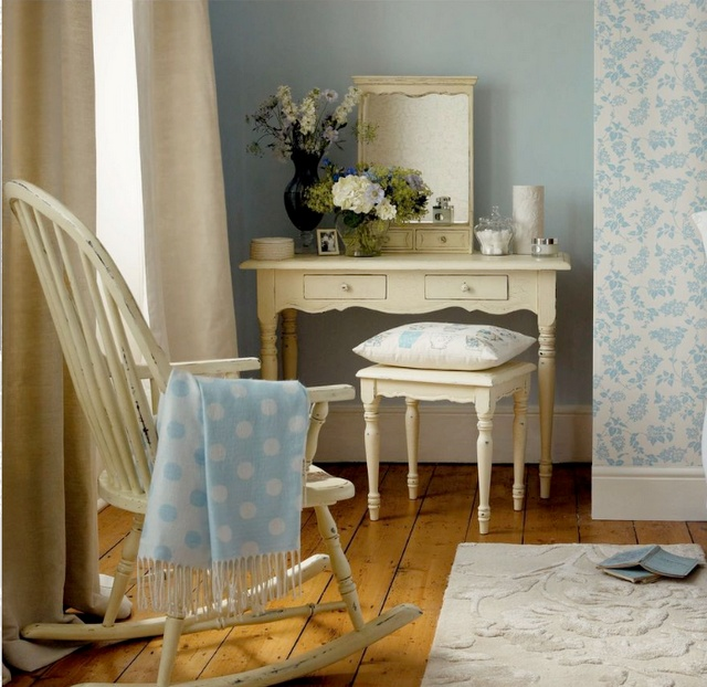 I came across the online spring summer 2010 catalogue - Laura ashley online ...