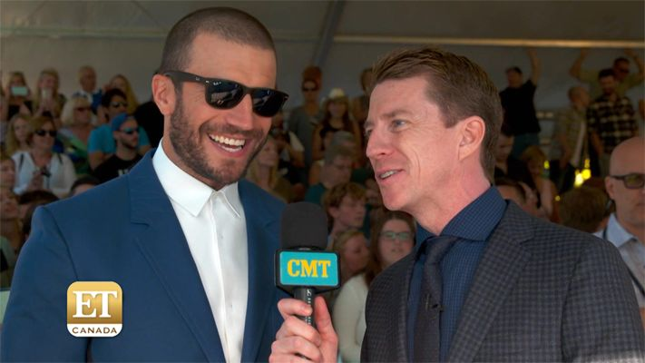 Country star Sam Hunt talks going on tour and working on his new album at the 2016 Canadian Country Music Association Awards.