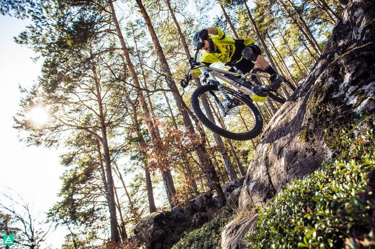 E-Mountainbike magazine Group-Test for Issue #001