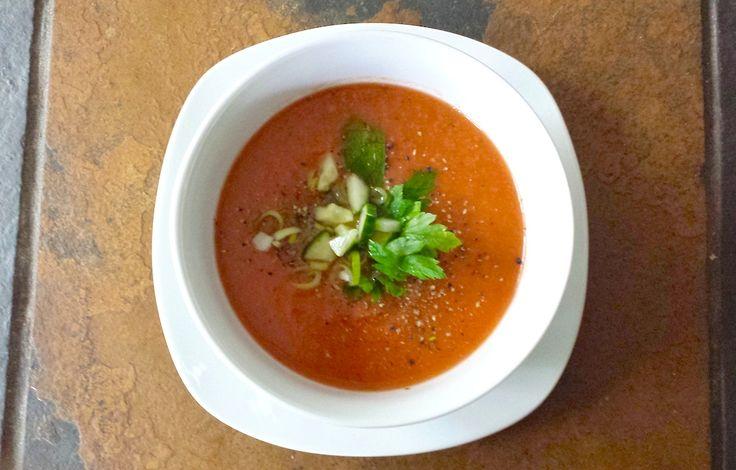 Gaspacho de tomates, concombre et poivron #recettesduqc #entree #detox