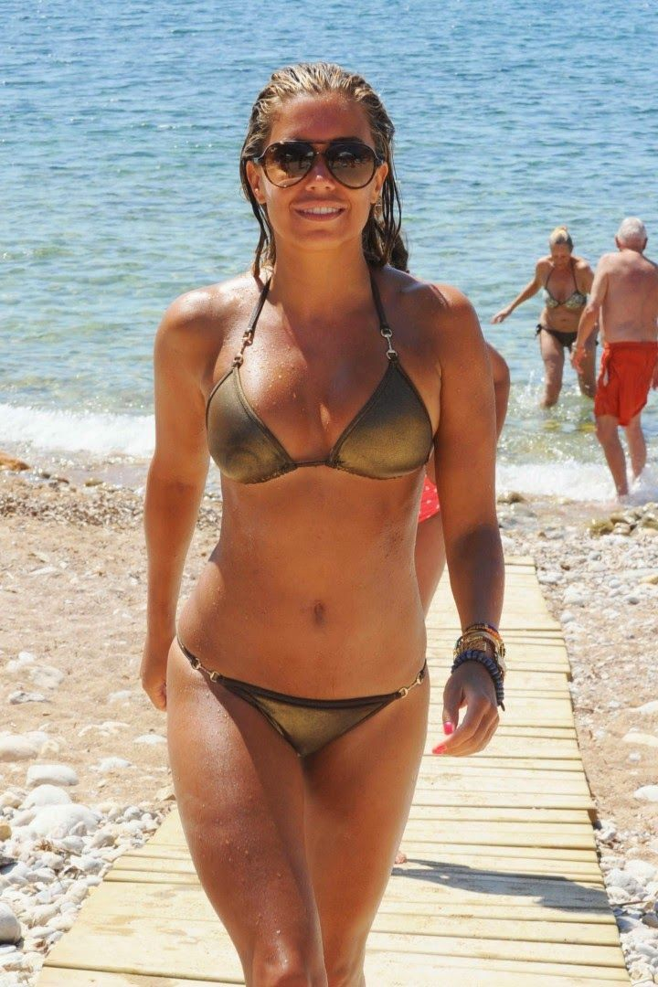 sylvie meis bikini candids on the beach in ibiza sylvie meis pinterest candid ibiza and. Black Bedroom Furniture Sets. Home Design Ideas