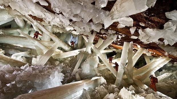 «Reviven» unas raras formas de vida de 60.000 años atrapadas en la cueva de los cristales gigantes de Naica
