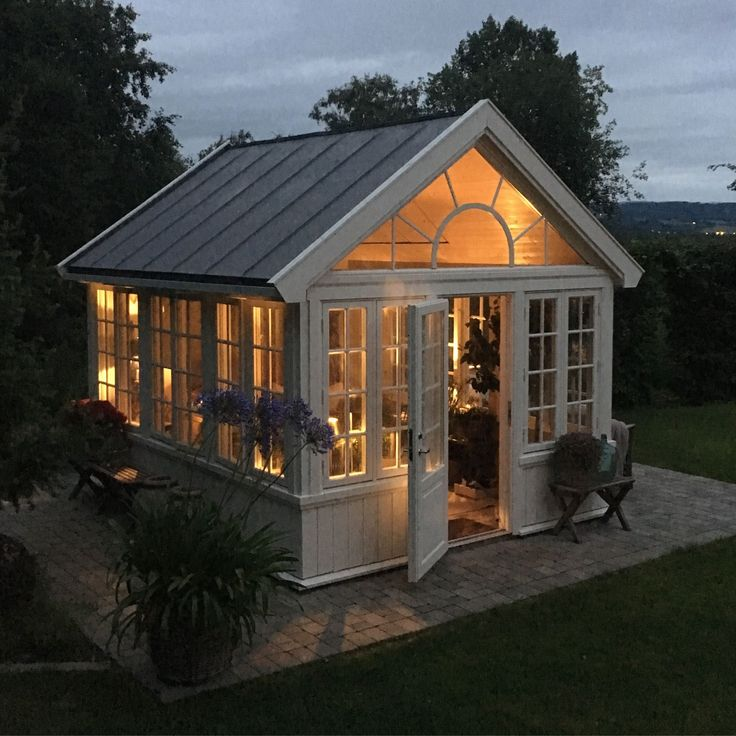 17 Lively Shabby Chic Garden Designs That Will Relax And: Pin On Small Greenhouse Ideas