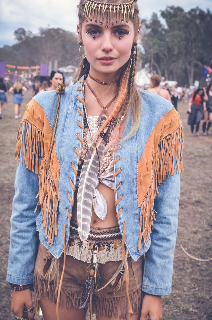 Best 25 Woodstock Fashion Ideas On Pinterest Hippie Hairdos Half Long Hair And Long Hipster Hair