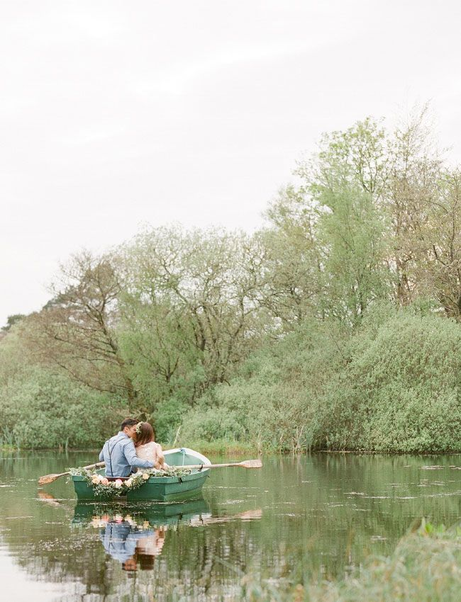 canoe ride in Scotland shot by Taylor & Porter