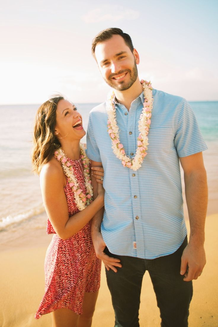 The Bachelorette's Desiree + Chris Siegfried's sweet Maui anniversary session: Photography : Anna Kim Photography Read More on SMP: http://www.stylemepretty.com/2016/03/21/the-bachelorettes-desiree-and-chris-share-their-adorbs-anniversary-sesssion-in-maui/
