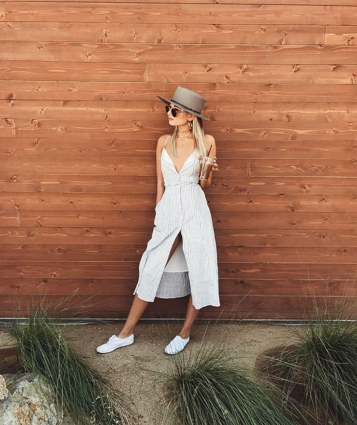 """17.6 m Gostos, 127 Comentários - Danielle Bernstein (@weworewhat) no Instagram: """"Light in linen for my morning ☕️run • @whowhatwearcollection dress #mywhowhatwear"""""""