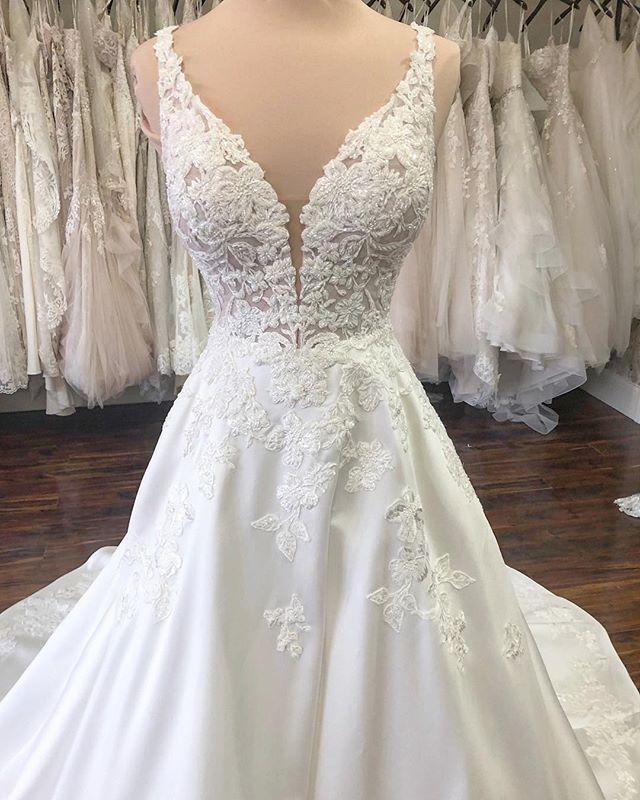 The Wedding Studio Indianapolis Indiana Martina Liana Wedding Dress Martina Liana Wedding Dress Wedding Dress Long Sleeve Bridal Gown Styles