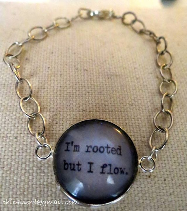 """Bracciale (cameo 20mm)   Soggetto: Virginia Woolf_""""I'm rooted but I flow"""" (""""Sono ancorata ma fluttuo) tratto da """"The Waves (Le onde), 1931  #virginiawoolfquotes #virginiawoolf #literaryquotes"""