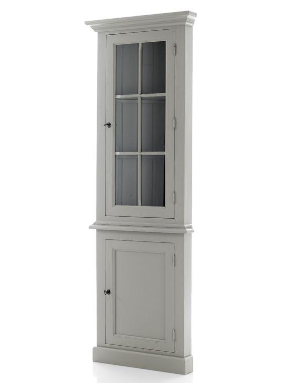 | CAR möbel | CAR MÖBEL | Dekorativ und praktisch zugleich: Bei diesem Eckschrank können Sie hinter der Glastür schöne Stücke zur Schau stellen, im unteren Teil können hinter der Holztür Geschirrstapel verstaut werden. Der aus Kiefernholz gefertigte Schrank kann weiß, grau, schlammfarben gestrichen oder im Antikfinish bestellt werden. Geliefert wird der Schrank fertig montiert in zwei Teilen.