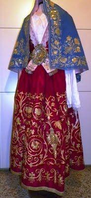 Costumi tradizionali femminili| Piana degli Albanesi   Sicilia
