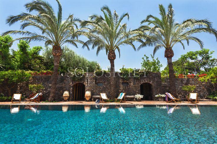 Beautiful Perla Nera. A luxury villa in Sicily near Carania.
