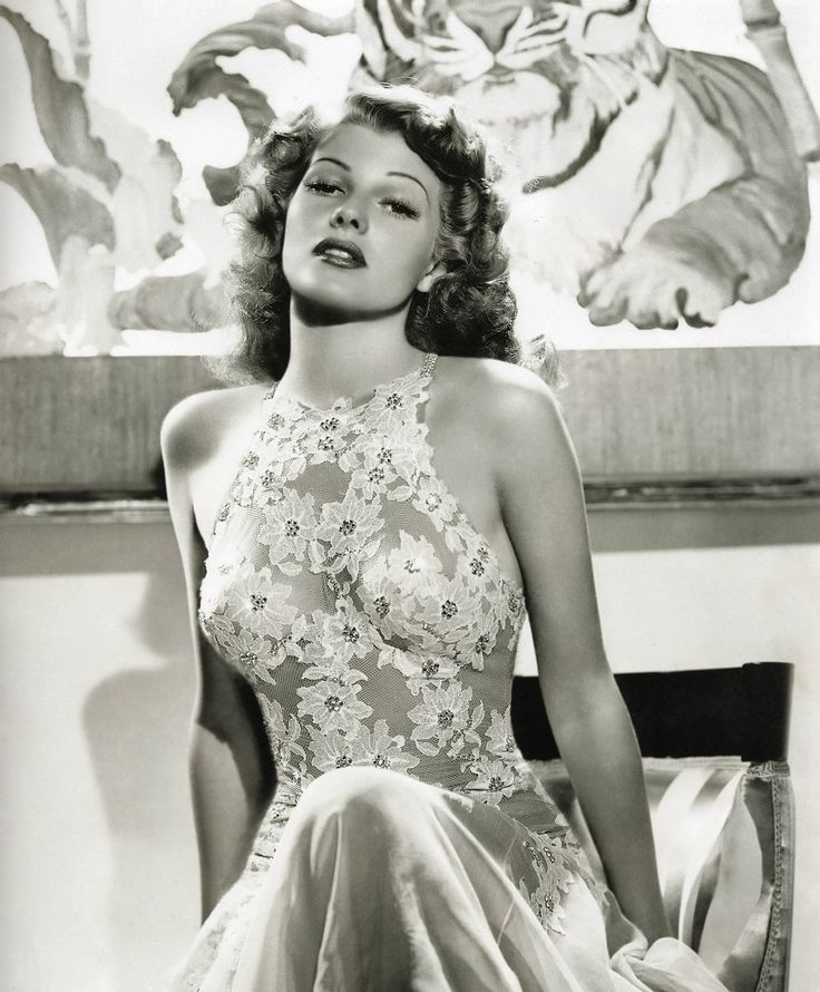 Rita Hayworth Simply stunning the old natural way