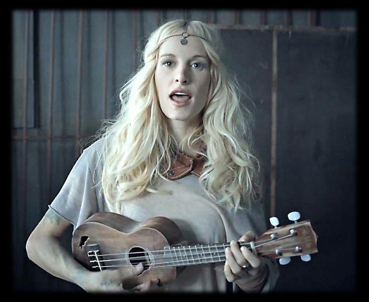 Sarah blackwood/ ukulele
