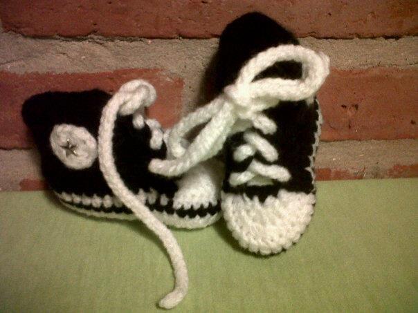 """LACA """"Lo Atamos Con Alambre""""  Zapatillas para bebes"""