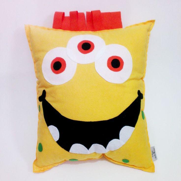 Sarı  Canavar Yastık Zet.com'da 35 TL #canavar #yastık #pötikare #elyapımı #zetcom #potikarebutikatolye #handmade #handmadepillow #pillow #monster