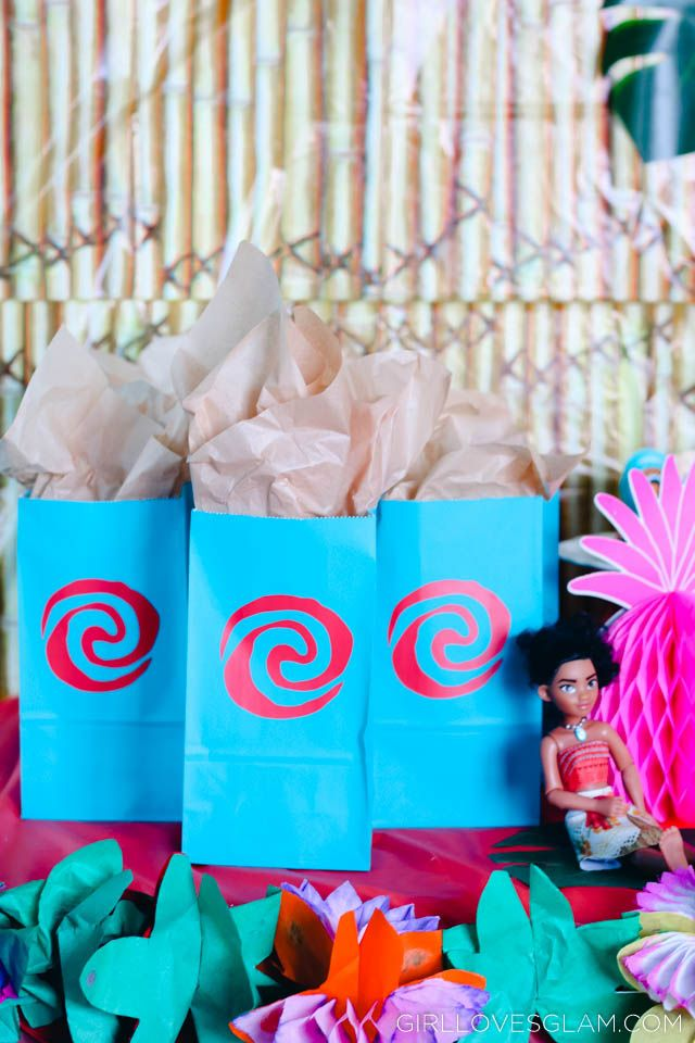 Moana Birthday Party Goodie Bags on www.girllovesglam.com