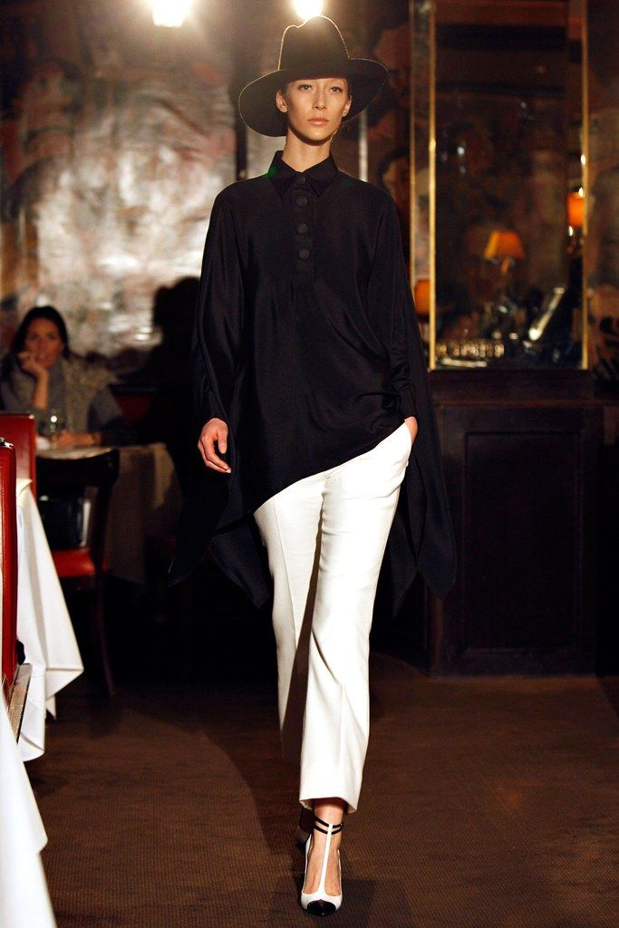 Bill Blass Fall 2011 Ready-to-Wear Fashion Show - Alana Zimmer