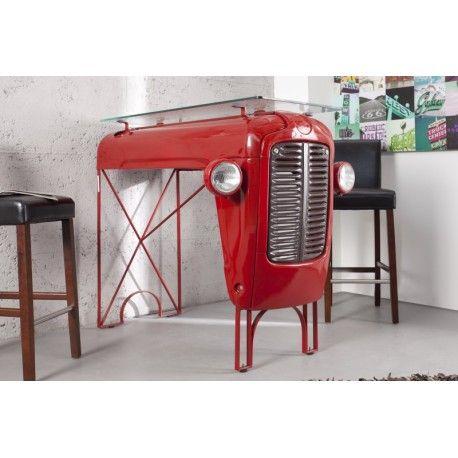 Nous vous présentons cette table de bar originale et très exceptionnelle de design tracteur vintage coloris rouge laqué avec un plateau en verre trempé réput...