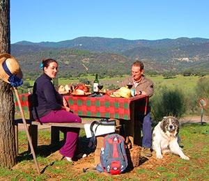 Semana de senderismo gastronómico en la Sierra de Aracena, Casa rural Molino Rio Alajar, Huelva