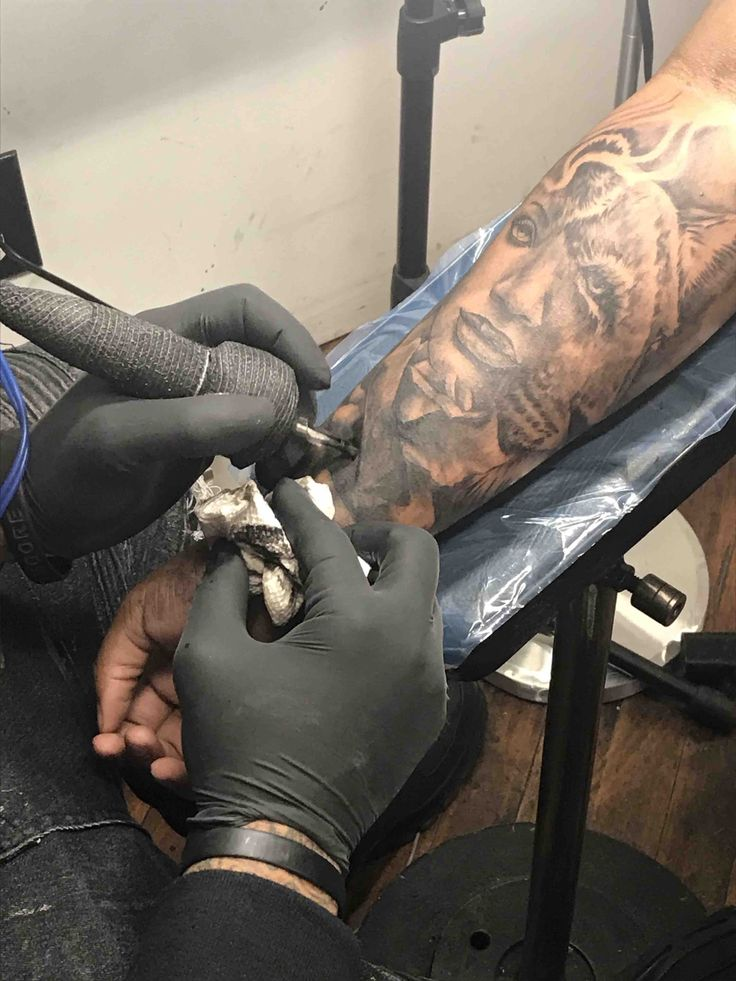 Chicago is among many other cities where tattoo artists