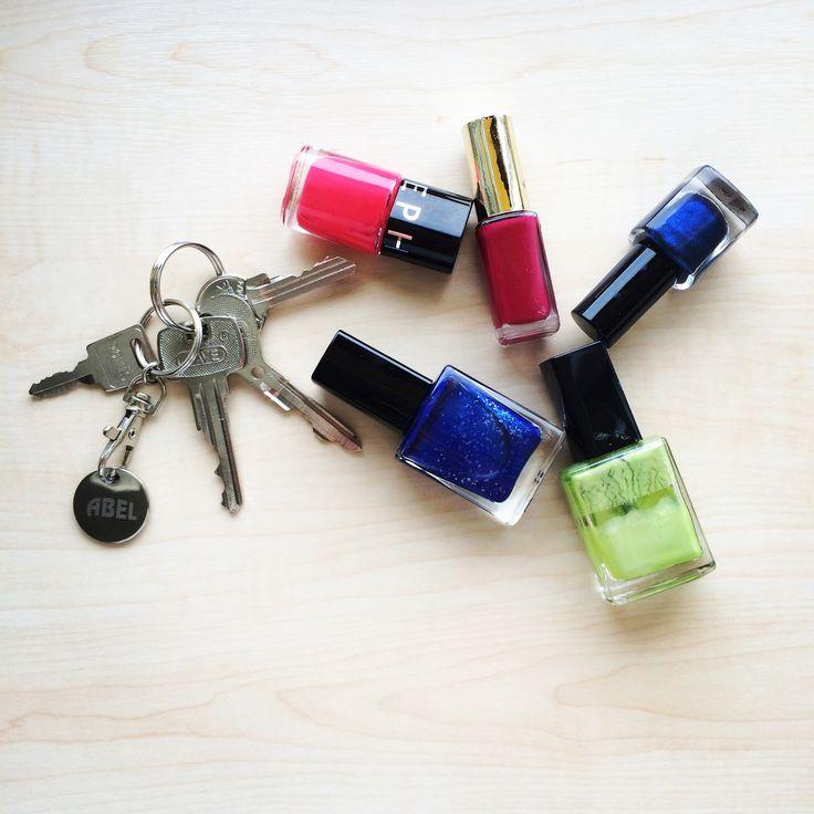 Nejčtenější článek >> Nalakováno! aneb 13 způsobů, jak v domácnosti využít lak na nehty. Inspirujte se na aukroblogu! Bydlíme, zahradničíme, testujeme, drbeme, doporučujeme!