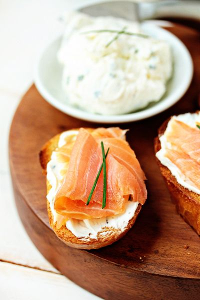 "Smoked Salmon and Goat Cheese ""Bruschetta"" (from ""mybakingaddiction.com) - Love the idea! (ahhh.. loaf of french bread, how I miss thee!)"