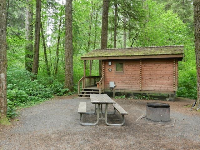 A rustic cabin stay at silver falls state park oregon for Cottages at camp creek