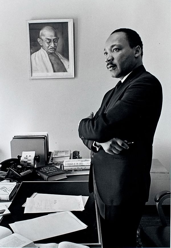 a comparison of martin luther king jr and malcolm x both black men with dreams Dr james cone's martin and malcolm and america: a dream or a nightmare is one of the best books i've encountered cone discusses the rhetorical strategies of martin luther king, jr, and malcolm x as they applied to their particular audiences: king to the south and malcolm x to the north.
