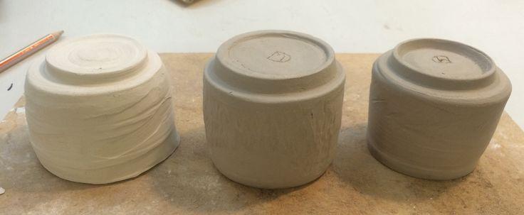 Med inspiration fra Japan, vil jeg lave små the kopper. De er drejede og næste skridt er at finde glasur/ overflade finish.