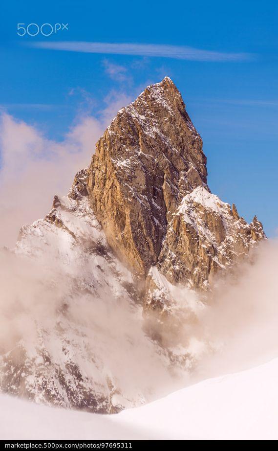 Aiguille Noire de Peuterey - Aosta Valley, Italy © Mihai Lefter | 500px.com | #ValleDAosta #Italia #Aostatal #Italien