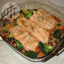 Zalm op een bedje van groentes @ allrecipes.nl