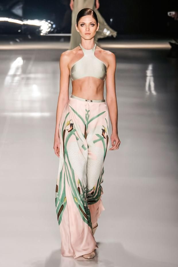 View all the catwalk photos of the Adriana Degreas spring / summer 2015 showing at Sao Paulo fashion week.  Read the article to see the full gallery.