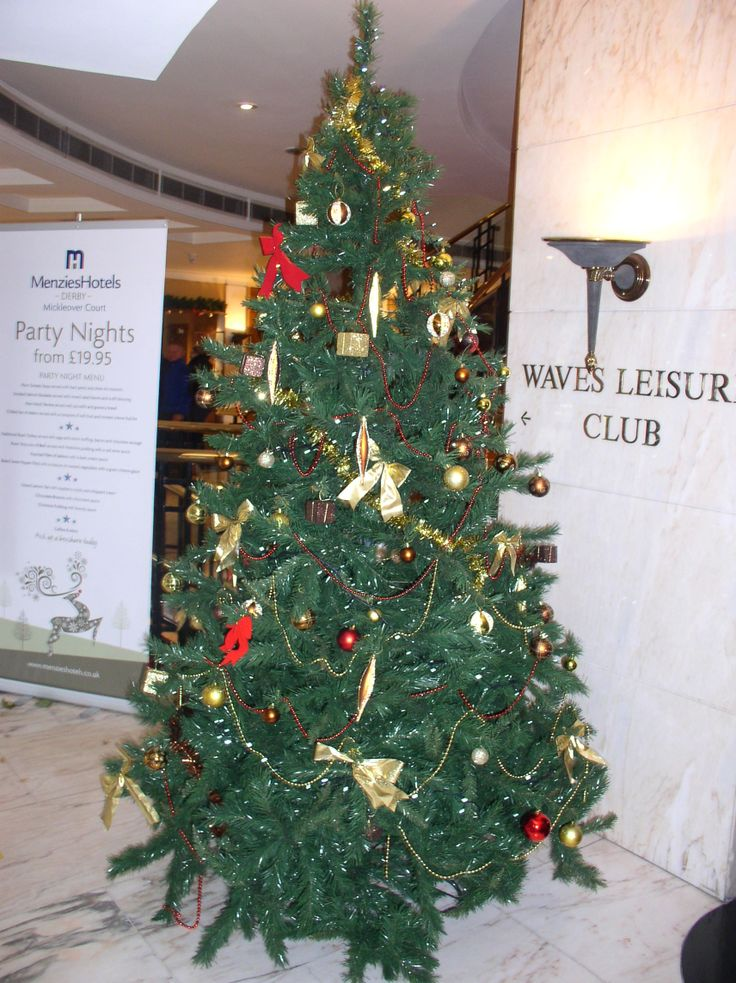 Christmas Tree | Christmas at Hotels | Hotels in Derby | Derby Hotels | Menzies Derby Mickleover Court