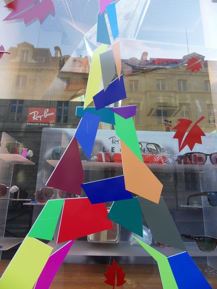feito com papel - em Paris