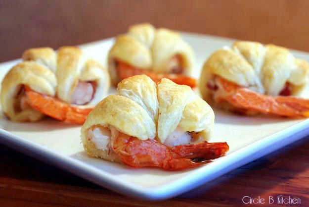 Shrimp in Puff Pastry with Goat Cheese and Bacon: Pastries W Goats, Yummy Goats Cheese, Stuffed Shrimp, Recipes Appetizers, Puff Pastries, Cheese And Bacon, Delicious Recipes, Goat Cheese, Cheese Bacon