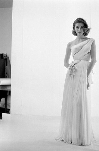 Suzy Parker poses in the studio wearing iconic gown by Grès, photo by Willy Rizzo, Paris, 1954 | Flickr: Intercambio de fotos