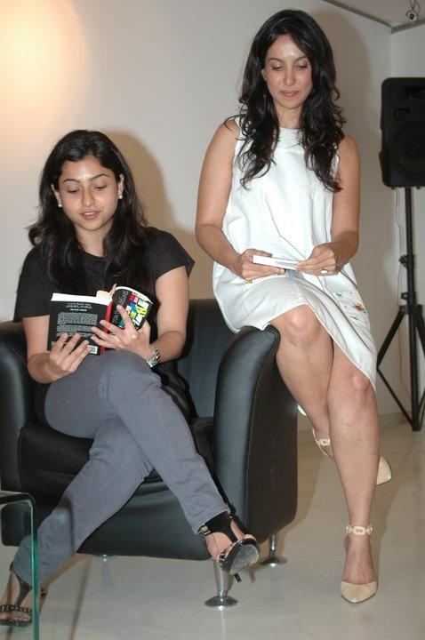 Benaf Dadachandji with Shraddha Nigam at the private book reading of Mayank Anand's debut nove
