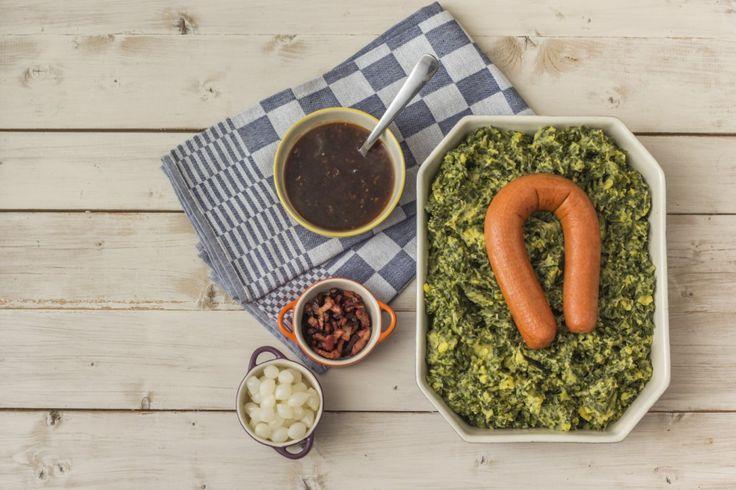 Er is maar weinig zo Hollands als een goede stamppot. Hier vind je recepten voor stamppotten met groenten van Hollandse bodem. Natuurlijk een stamppot met boerenkool, maar ook rauwe andijvie, prei, bloemkool en zelfs bruine bonen lenen zich uitstekend voor dit aardappelgerecht. Kies je recept en ga aan de slag! Een keer variëren? Bekijk hier 7 […]