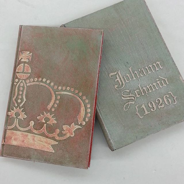 Studio 184 created these fabulous finishes on hardback books by pushing Artisan Enhancements VP Antico through stencils!  Brilliant!