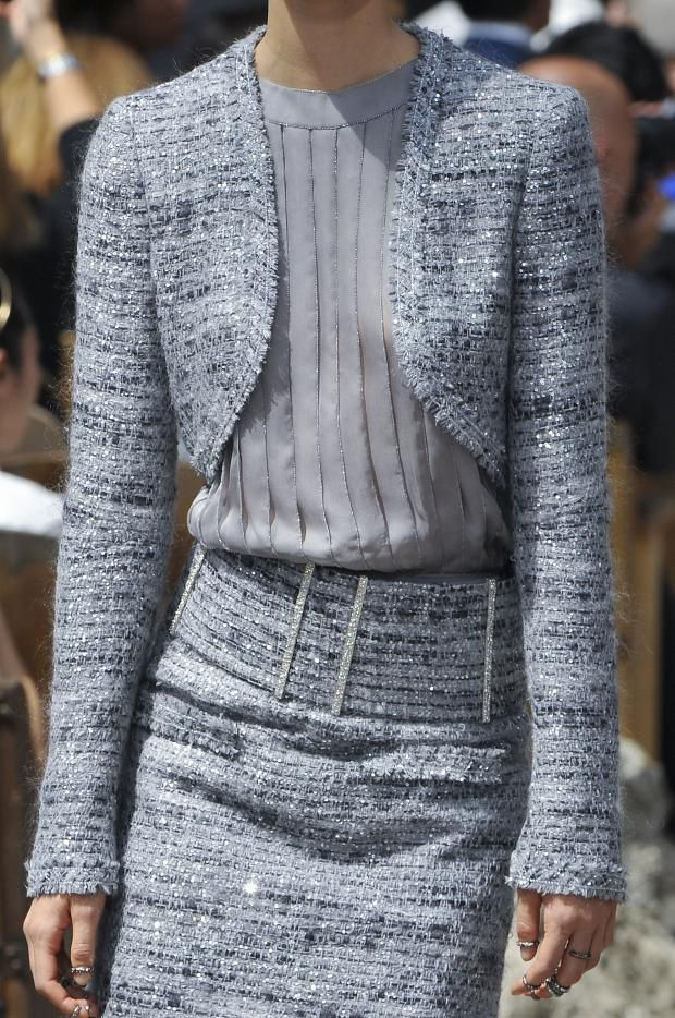 The beauty of this Chanel Fall 2013 Couture jacket just leaves me speechless... the neutral color can be worn with anything and the cropped top calls attention to a woman's torso and slim waistline.