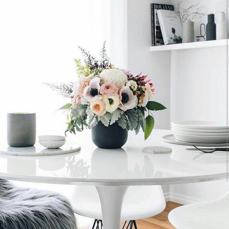 This medium sized arrangementis full and gorgeous, seen on tge instagram account of oh.eight.oh.nine https://www.instagram.com/p/BI4Ymosj3pm/