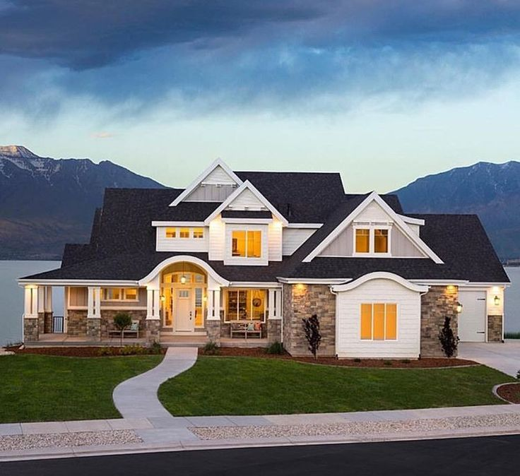 This Craftsman Design Floor Plan Is 6636 Sq Ft And Has 6 Bedrooms And Has  Bathrooms.