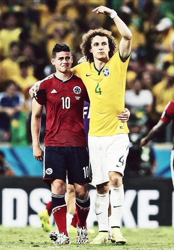 David Luiz consoling James Rodriguez after the game. @FrankDavid0510